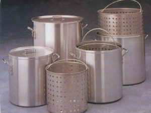 Clam steamer pots with basket