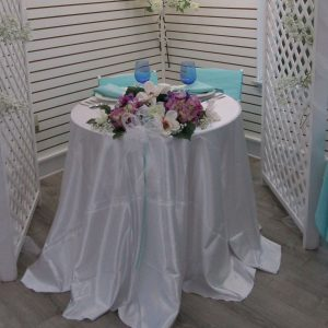 Tables Chairs & Linens